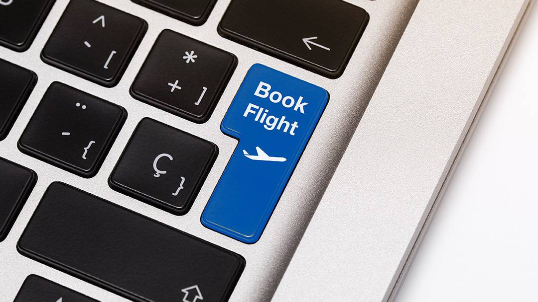 booking online vs booking with a travel agent