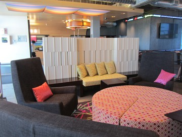 aloft_vaughan_lobby sitting area_LR