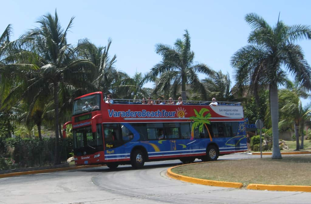 Varadero-on-off bus-Cuba_dreamtravelmag