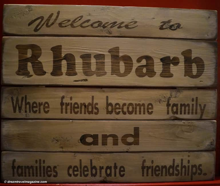 Rhubarb_Restaurant_Haliburton_welcome friends and family