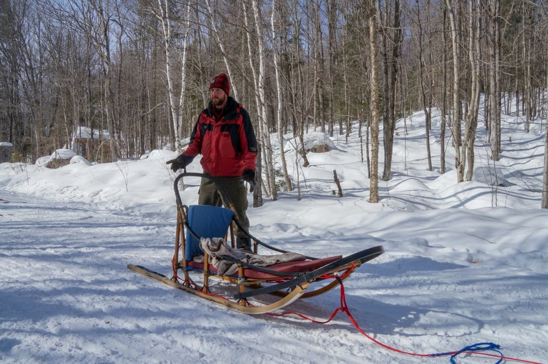 Mike Winterdance Guide leads dog sledding briefing