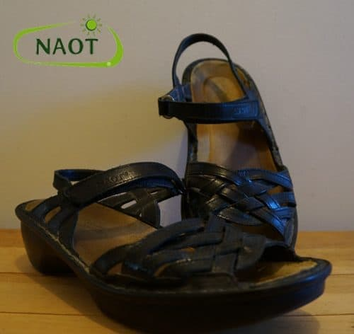 dream-travel-mag-best-travel-shoes-naot-black-sandals
