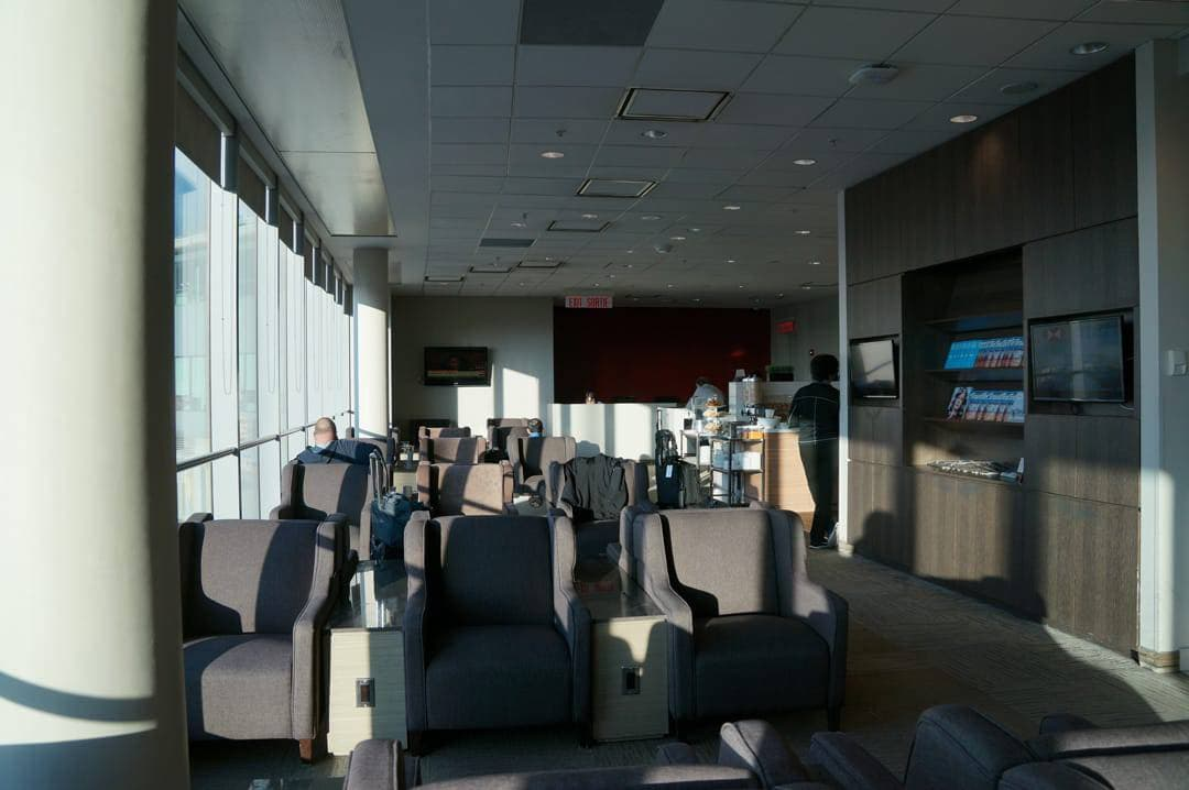 Tour of the plaza premium lounge at Toronto Pearson airport
