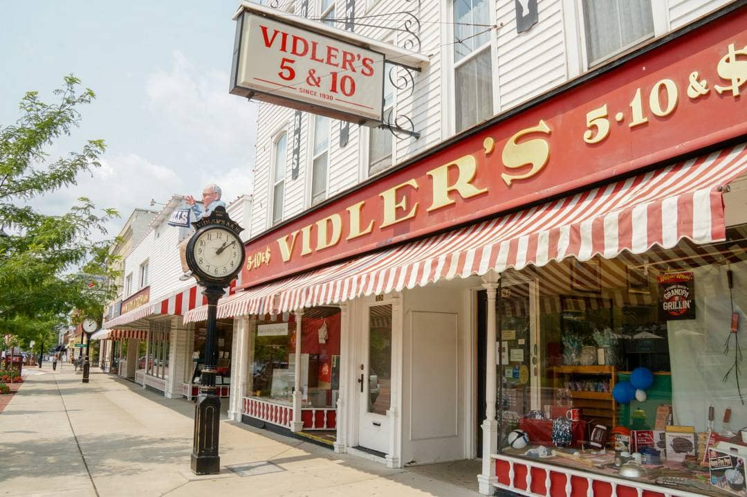 Viddlers 5 and 10 East Aurora New York Shopping Village