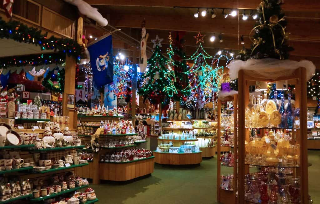 Bronners Christmas Wonderland-Michigan_dream-travel-magazine_06