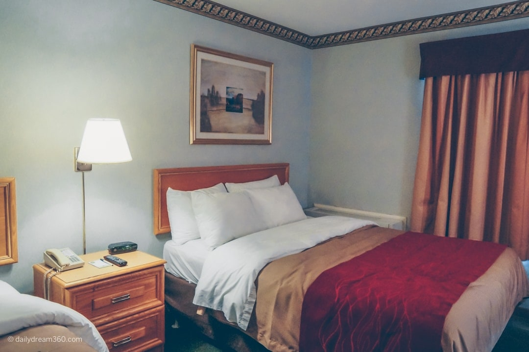 Bedroom at Choice Hotel in Welland Ontario