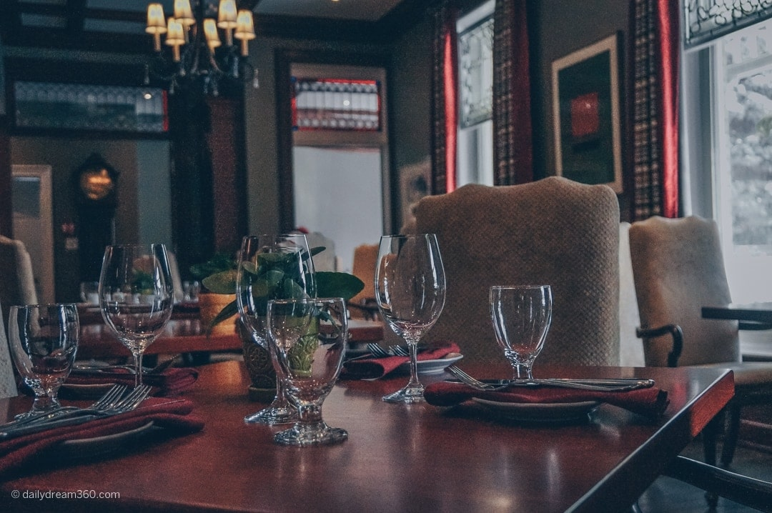 dining room in the Idlewyld Inn London