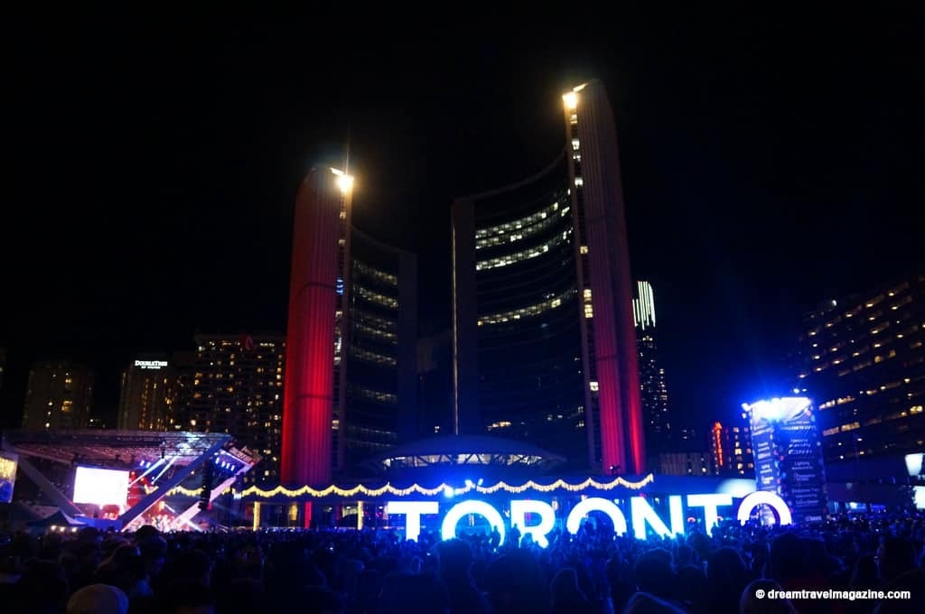 11-29-15-Toronto-Cavalcade-of-Lights-331
