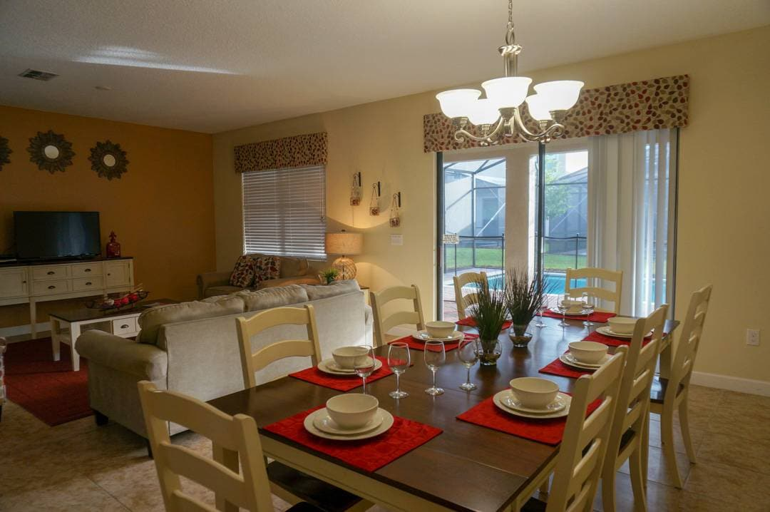 Dining Room Global Resorts Champion Gate Vacation Home Rentals Kissimmee Florida