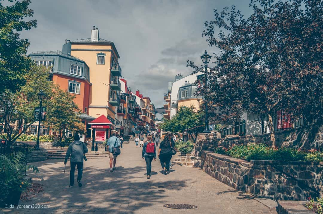 mont-tremblant village shopping