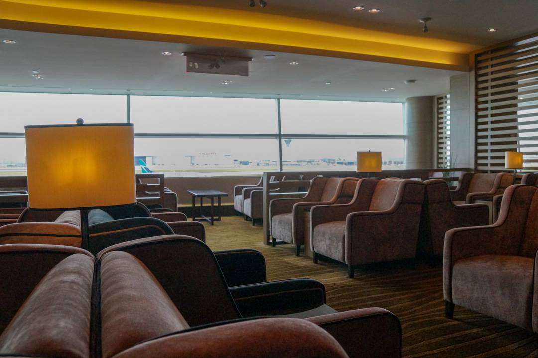 Have Access to VIP Lounges at Airports around the World