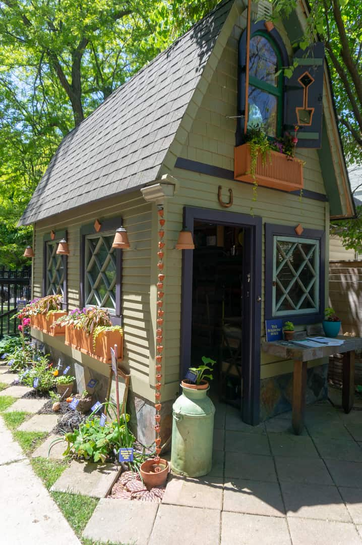 In this post, we share a Guide to Buffalo New York. We have a complete list of things to do in Buffalo NY today by neighbourhood including where to stay, where to eat and must see Buffalo attractions.   #Buffalo #NewYork #travel #guide #elmwood village #allentown  