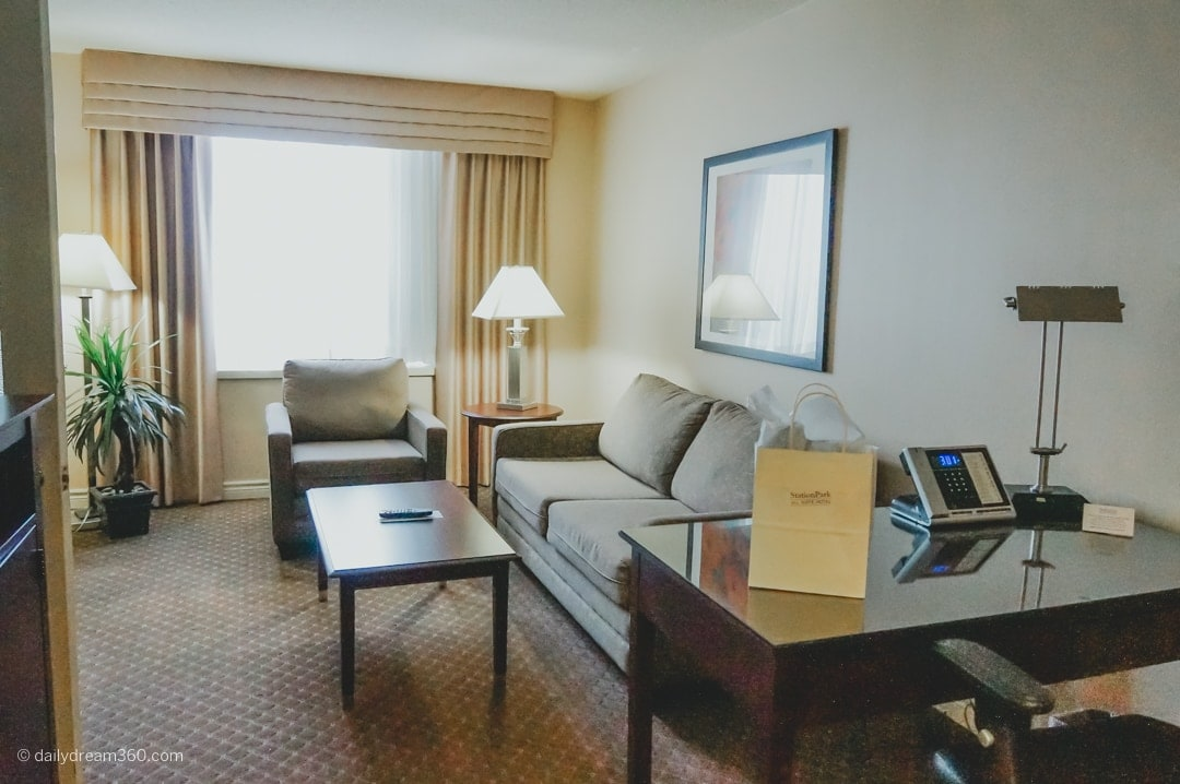 Station-Park-Hotel-London-Ontario