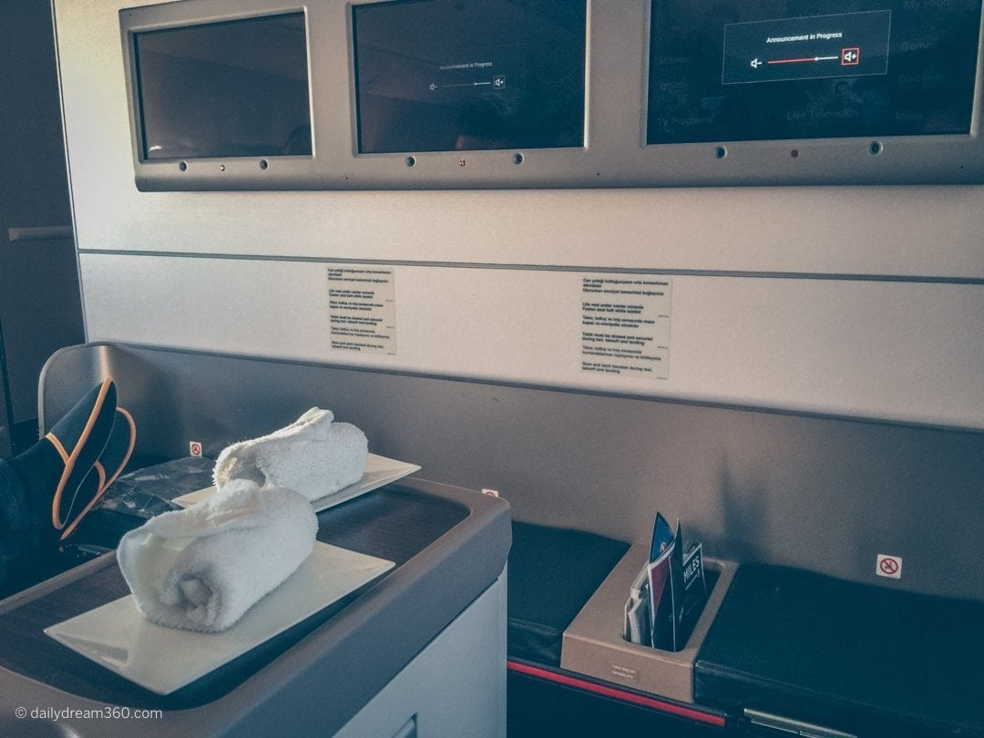 Hot towels served at Business Class seat on Turkish Airlines