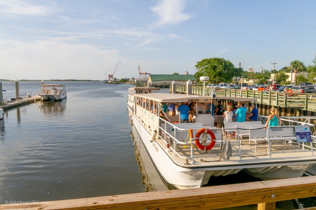Evening boat tour Amelia Island Boat Cruises