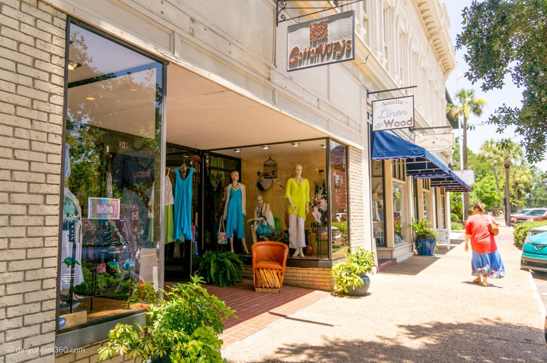 clothing shop storefront in Fernandina Beach
