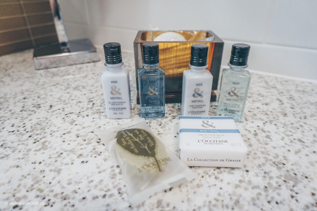 Toiletries, Hotel X Toronto Signature King Room