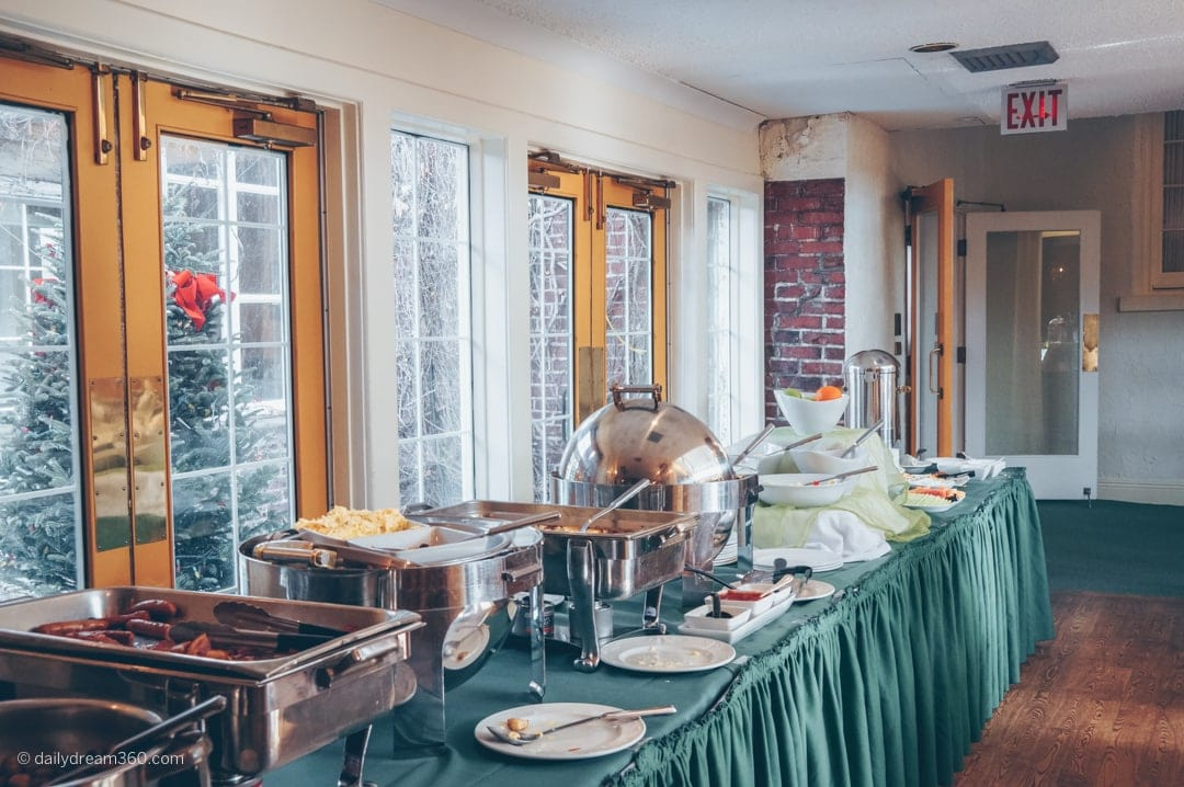 Hot and cold breakfast buffet