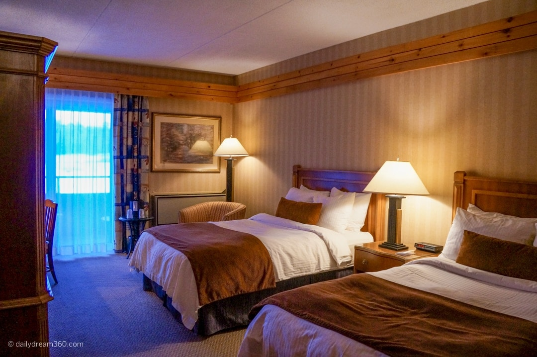 Double room at Pinestone Resort Haliburton