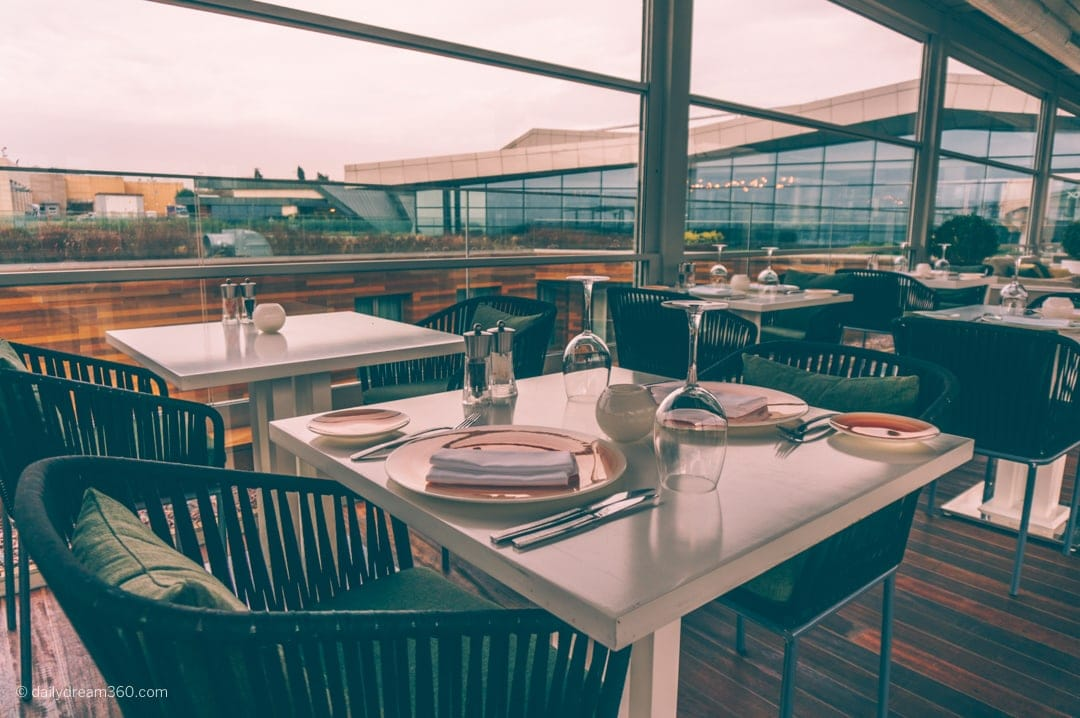 Rooftop lounges and restaurants at Crowne Plaza Istanbul