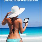 woman on beach withe reader in hand with text Best eReaders for the Beach and the Outdoors