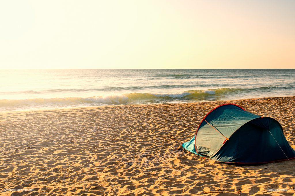 Pop up beach shade on the beach