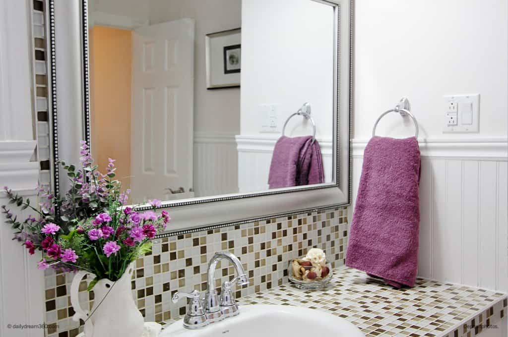 7-Day Declutter Challenge: Cleaning and Organizing Bathrooms