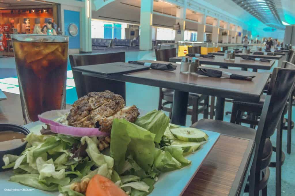 How to Eat Healthy at the Airport: Healthy Airport Foods and Snacks