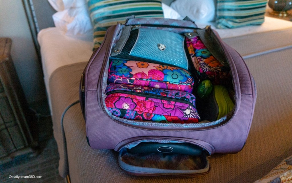 best suitcase packing tips to maximize space