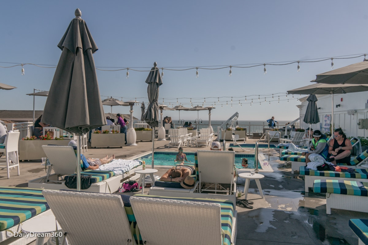 Rooftop pool and bar at the Inn at the Pier Pismo Beach