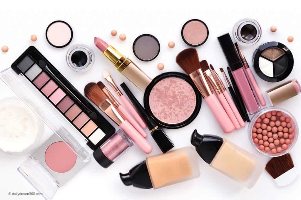 Essential Makeup Products You Can't Live Without
