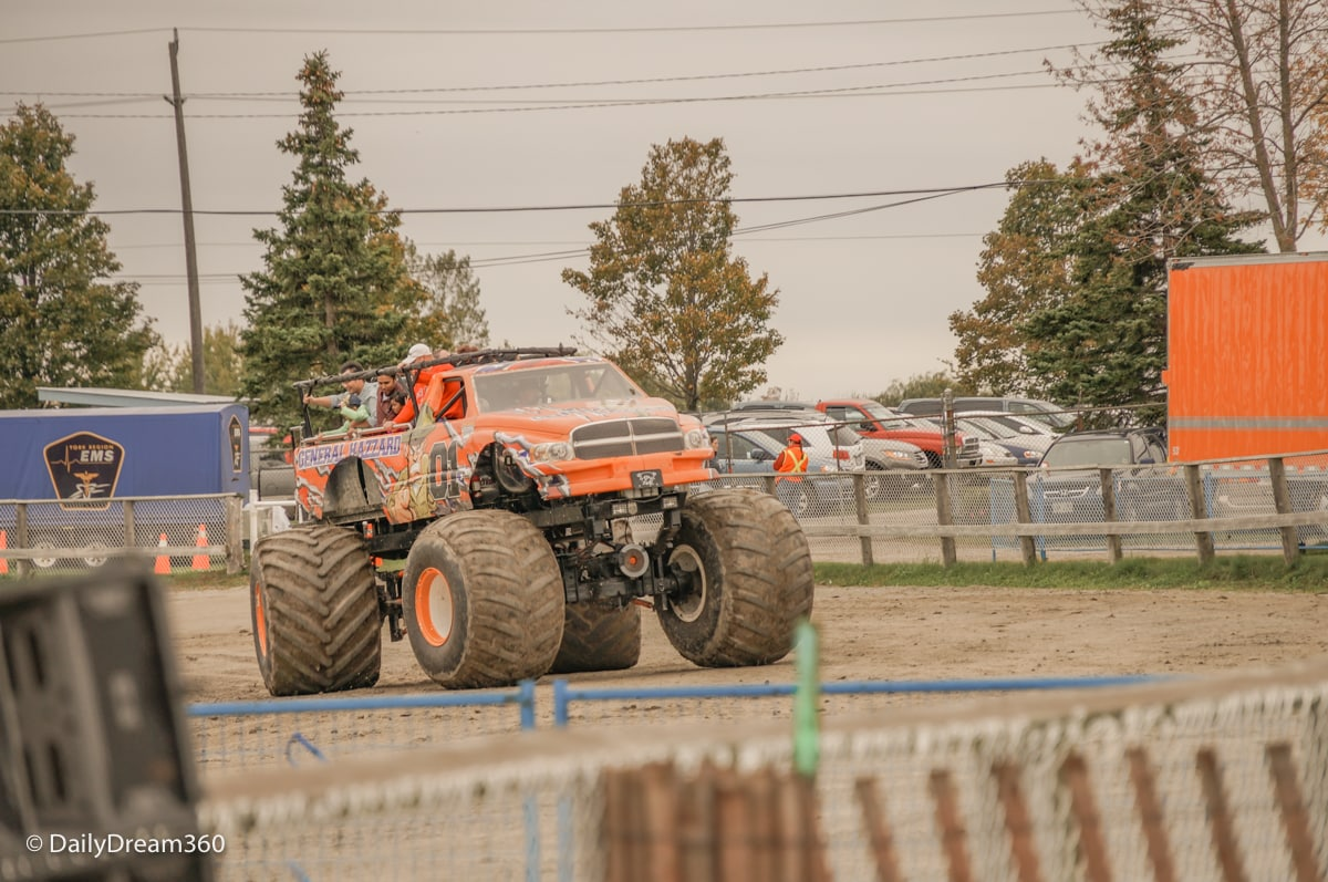 General Hazzard rides for attendees of the Markham Fair