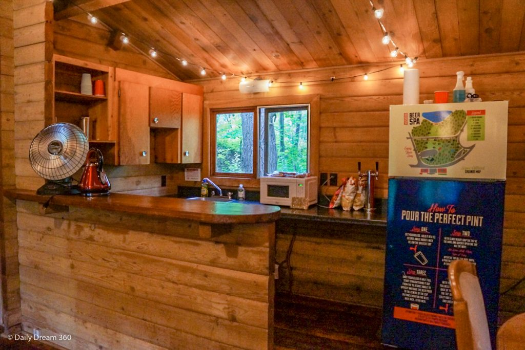 Kitchen of Muskoka Beer Spa cabin 7