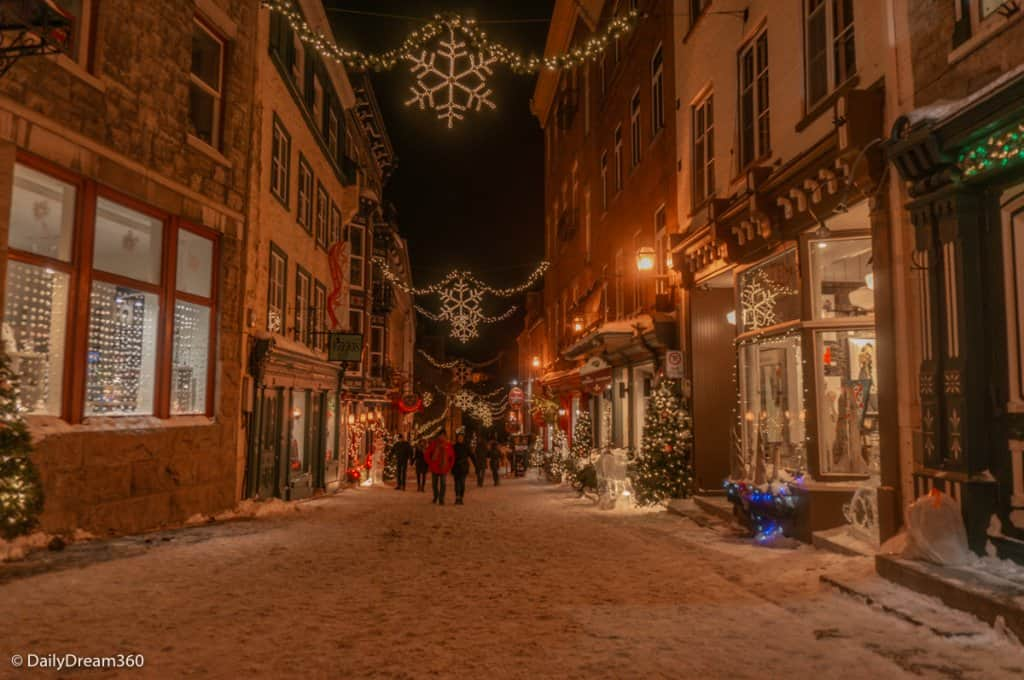 Petit Champlain district at night